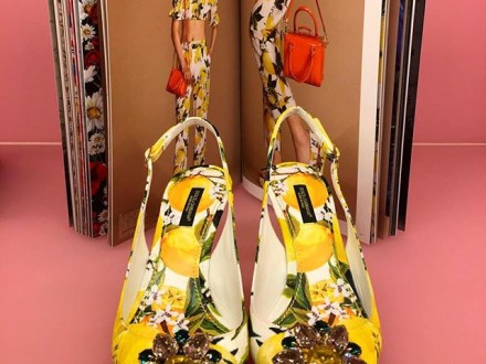 @dolcegabbana #fashion #style #blogger #tflers #womensfashion #shoes #dolcegabbana #yellow #wiwt …