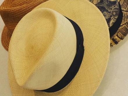 """"""" Diesen Sommer geht nichts ohne Hut """" #sagmeister #classyman #mensstyleguide #menswear #mensfash…"""