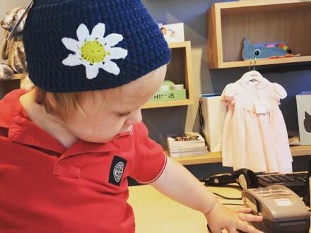 @stoneisland_official trifft @bladeandrose -natürlich im Kleinen Sagmeister  #shopping #kidsfash…