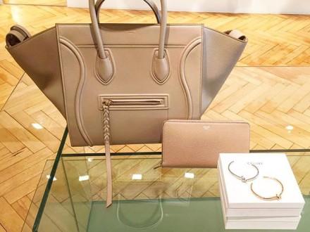 @celineeparis #celine #fashion #style #womenswear #tflers #inspiration #blog #blogger #womensfash…