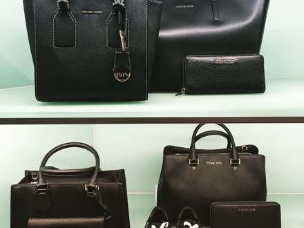 Black Love ⬛️️⬛️️ #michaelkors #bags #phillipmodel #shoes #loveblack #fall #instadail…