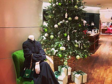 GREEN LOVERS  @prada #christmastree #christmas #newdress #dresslover #vorarlberg #bregenz #dornbi…
