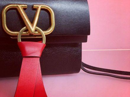 V RING… #vring #valentino #baglovers #style #styleinspiration #styleblogger #fashion #fashionbl…