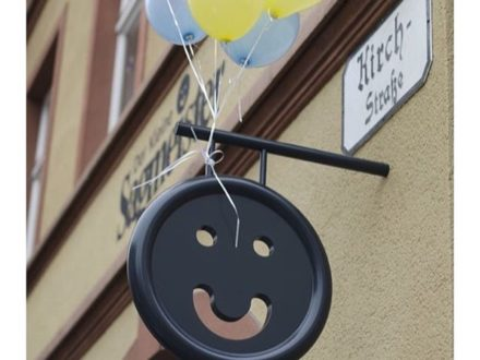 Gute Nacht ihr Kleinen Knöpfe  wir freuen uns euch Morgen wieder in der Kirchstraße begrüßen …