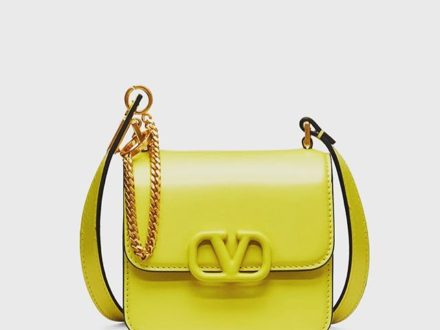 VSLING BAG … @maisonvalentino . . . #baglover #fashion #style #styleinspiration #outfitinspirat…